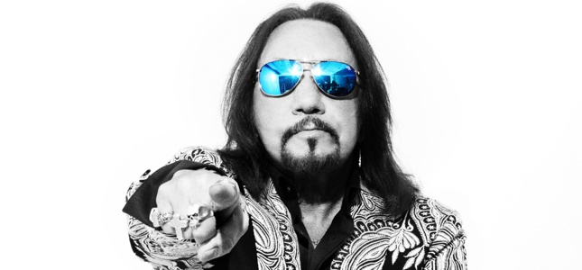 "ACE FREHLEY Talks Space Invader, Touring Plans, His Thoughts On Ex-KISS Mates Autobiographies - ""There's A Ton Of Stories Still To Be Told"""