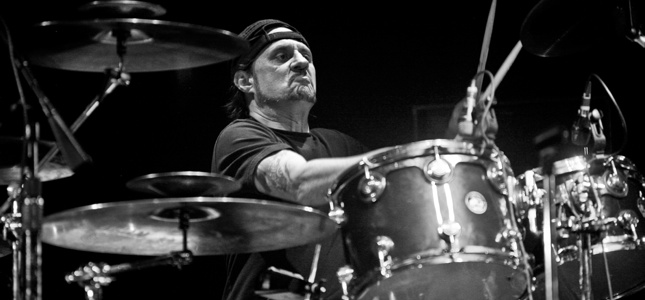 "PHILM/Ex-SLAYER Drummer Dave Lombardo Talks About Native Cuba, Relation Developments With The US - ""I Hope There Is A Peaceful Transition Towards Democracy, That It Can Grow Without Violence"""