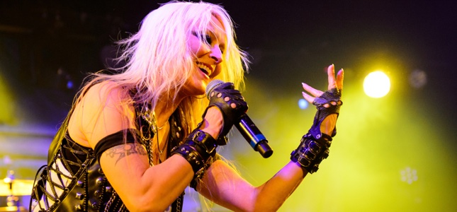 DORO – Hail To The Queen