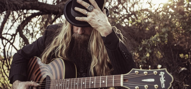 "ZAKK WYLDE Back In The Shadows – ""There's A Difference Between Good Loud And Painful Loud"""