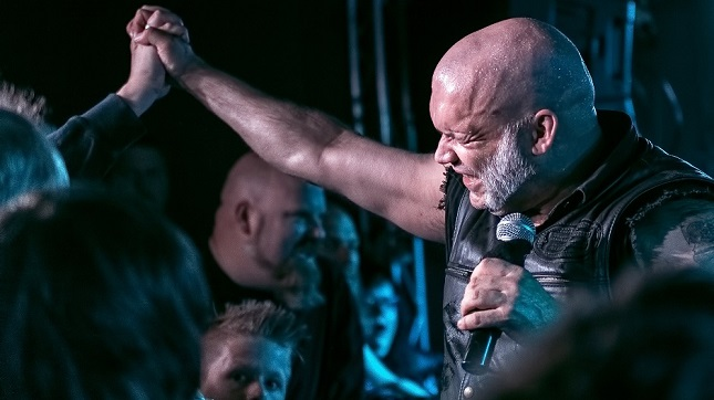 "BLAZE BAYLEY – ""Rock 'N' Roll Is Maybe Dead On The Side Of The Road ... But Metal Goes On Forever"""