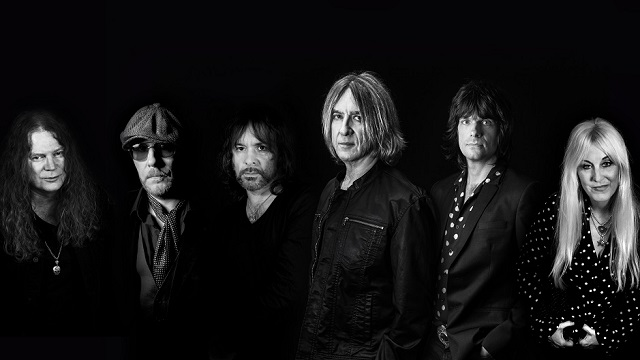 "Joe Elliott On New DOWN 'N' OUTZ Album - ""It's To Go Back In Time To The Songs That Influenced Me Before I Joined DEF LEPPARD"""