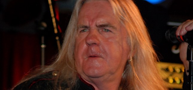 "SAXON's Biff Byford Working On New Album With His Son, Talks Inspirations - ""If You Had Long Hair Or You Were Into Any Sort Of Music That Wasn't Safe - It Was The Anti-Establishment Thing"""