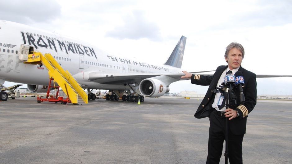 iron maiden 39 s ed force one lands in fort lauderdale we have photos press conference video. Black Bedroom Furniture Sets. Home Design Ideas