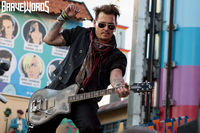 57DE30EC-hollywood-vampires-3.jpg