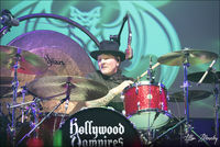 E18867E9-hollywood-vampires-rama6.jpg