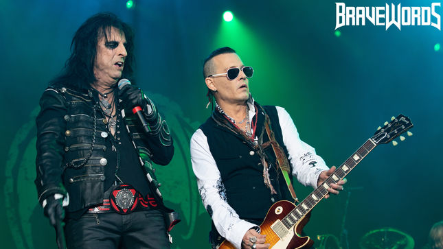 THE HOLLYWOOD VAMPIRES Show Their Fangs in Gothenburg