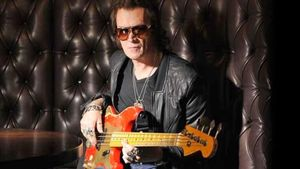 "GLENN HUGHES Covers THE POLICE Classic ""Roxanne""; Audio Online"
