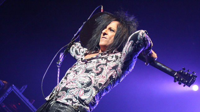 Guitarist STEVE STEVENS Talks About Reuniting With BILLY IDOL, Working With VINCE NEIL, Declining DAVID LEE ROTH Gig; Audio