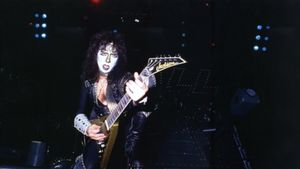 The Cassius Morris Show Talks Recent Contact With Former KISS Guitarist VINNIE VINCENT