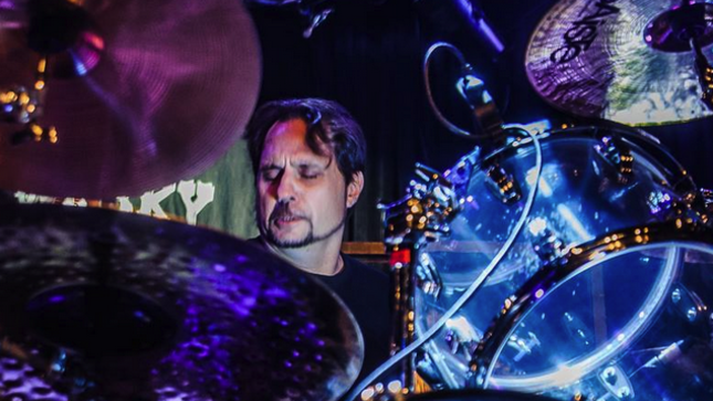 """DAVE LOMBARDO Talks Split With SLAYER - """"Shortly After That, Rick Rubin Was Contacting Me And Telling Me To Go Back To The Band"""""""