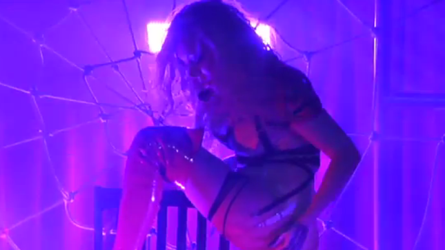 In This Moment Perform Cover Of Nine Inch Nails Classic Closer At