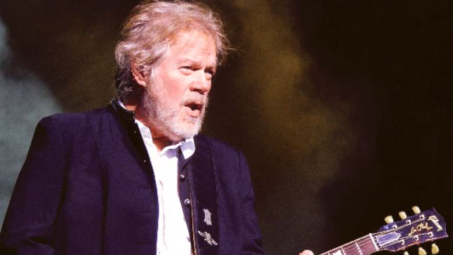 "RANDY BACHMAN Recalls BTO Supporting VAN HALEN On 5150 Tour - ""Changeover Wasn't Even Five Minutes, And Nobody Yelled 'Where's Dave?'"""