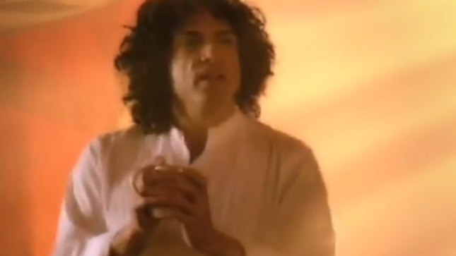 "PAUL STANLEY's ""Lost"" Folgers Coffee Commercial Surfaces On YouTube"