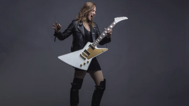 """HALESTORM Vocalist LZZY HALE Talks Singing On New TRANS-SIBERIAN ORCHESTRA Single – """"They Wanted Somebody Who Had �The Whiskey Dust' In Their Voice"""""""