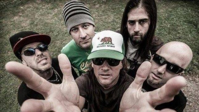 "UGLY KID JOE Perform New Song ""She's Already Gone"" Live In Nottingham; Fan-Filmed Video Posted"