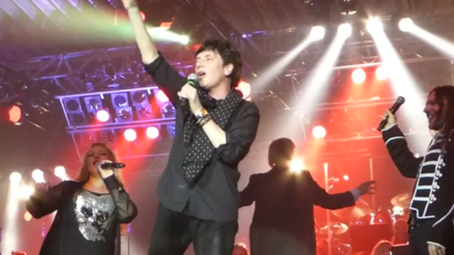 MR. BIG Frontman ERIC MARTIN Live On Stage With ROCK MEETS CLASSIC In Germany - Fan-Filmed Video Online