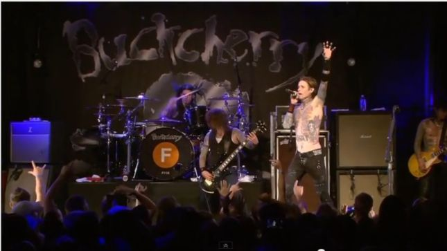 """BUCKCHERRY Perform """"I Don't Give A Fuck"""" Live In Minnesota; Video Streaming"""