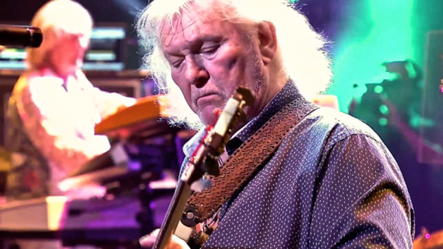 """MIKE PORTNOY On Cruise To The Edge Tribute To YES Bassist CHRIS SQUIRE - """"It Was About Spirit And Unity, Done With Love And Respect"""
