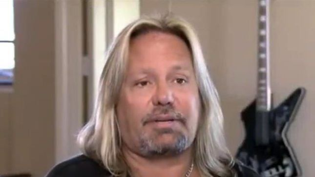 watch m tley cr e s vince neil on celebrity wife swap. Black Bedroom Furniture Sets. Home Design Ideas