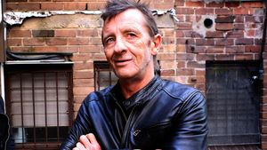 "Former AC/DC Drummer PHIL RUDD Feeling ""Twenty Years Younger And 100% Better"" After Heart Attack"