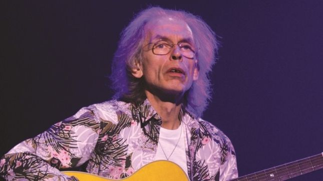 "YES' STEVE HOWE Recalls Playing On QUEEN's ""Innuendo"" – ""They Said, 'We Want You To Play On That; Why Don't You Race Around Like Paco De Lucía?'"""
