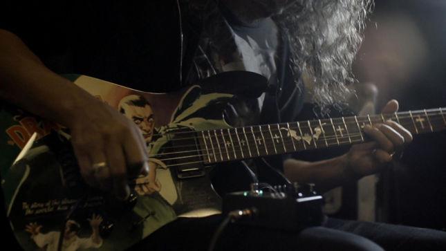 metallica guitarist kirk hammett s ghoul screamer pedal available globally on october 31st. Black Bedroom Furniture Sets. Home Design Ideas