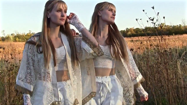 "Harp Twins CAMILLE AND KENNERLY Cover KANSAS Classic ""Carry On Wayward Son""; Video Streaming"