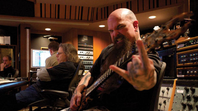 KERRY KING Breaks Down SLAYER Guitar Riffs; Video Online