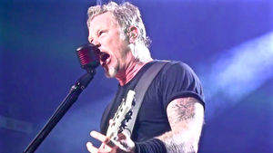 "METALLICA's James Hetfield - ""As Far As Us Playing Half-Time For Super Bowl, I Have A Feeling That Ship Has Passed""; Video"