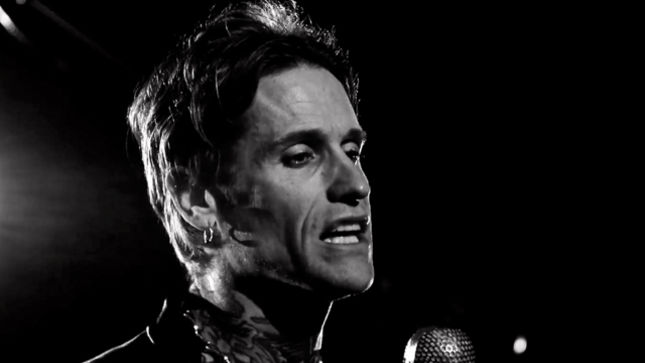 """BUCKCHERRY Release Music / Lyric Video For New Version Of """"The Feeling Never Dies"""" Featuring GRETCHEN WILSON From Rock 'N' Roll Deluxe Edition"""