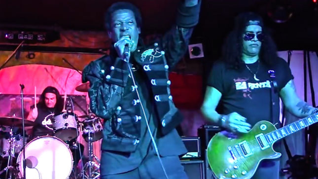 SLASH, VINNY APPICE Perform DIO Classic At WILLIE BASSE Benefit Jam; Video