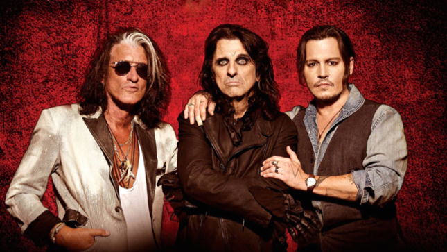 "HOLLYWOOD VAMPIRES Anxious To Make First Album Of All Original Material - ""Everybody Is Writing Right Now,"" Says ALICE COOPER"