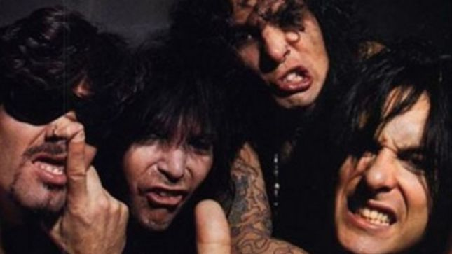 "NIKKI SIXX Calls MÖTLEY CRÜE's 1994 Album ""Unfocused"" And ""Painful""; Former Vocalist JOHN CORABI Takes The High Road In Response"
