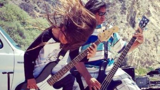METALLICA Bassist ROBERT TRUJILLO Jams With 11-Year-Old Son's Band THE HELMETS Live On Stage (Video)