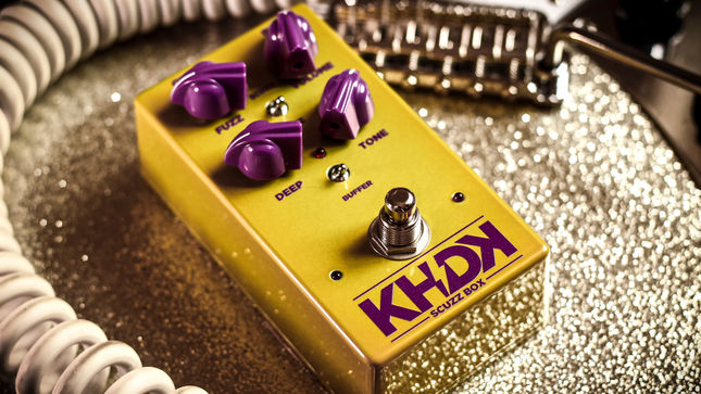 metallica guitarist kirk hammett s khdk electronics unveils the scuzz box a truly musical fuzz