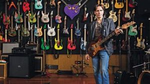 STEVE VAI Shares Private Guitar Collection; Photos And Commentary Available