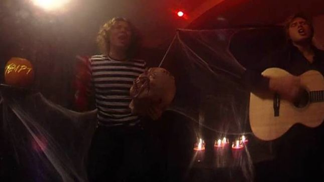 """ALICE COOPER Classic """"The Ballad Of Dwight Fry"""" Covered By New York City's TEMPT For Halloween; 360В° Video Online"""