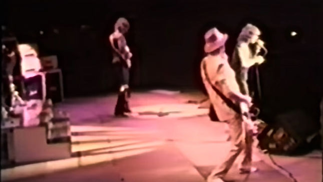 "RITCHIE BLACKMORE's RAINBOW - Rare 1984 Video From Japan Features ""Smoke On The Water"", Backstage Footage"