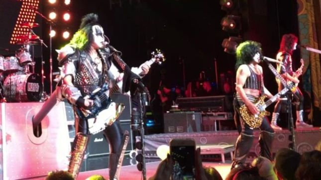 """KISS - Fan-Filmed Live Video Of """"Keep Me Comin'"""", """"Shout It Out Loud"""" And """"Happy Birthday"""" For TOMMY THAYER From KISS Kruise VI Posted"""
