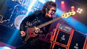 "GLENN HUGHES Weighs In On Singer RONNIE ROMERO - ""He Was Certainly A Good Fit For RAINBOW"""