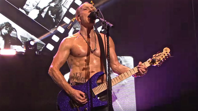 "DEF LEPPARD Guitarist PHIL COLLEN - ""I've Never Done A Theater Tour Of The States"""