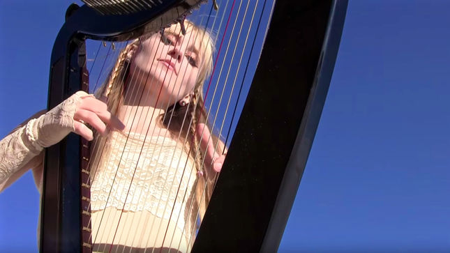"Harp Twins CAMILLE AND KENNERLY Cover METALLICA Classic ""Enter Sandman""; Video Streaming"