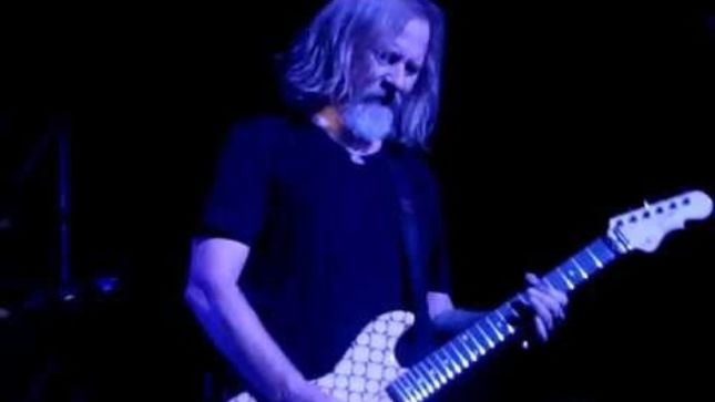 ALICE IN CHAINS Guitarist JERRY CANTRELL Contributes Song To