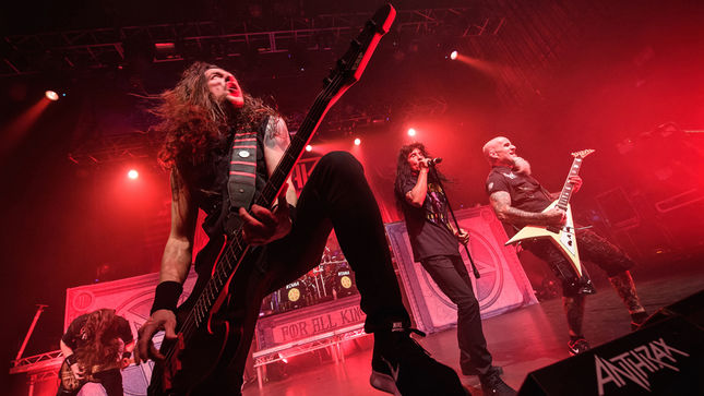 """ANTHRAX Bassist FRANK BELLO - """"METALLICA Is The Biggest Band In The World For A Reason... Because They Rule"""""""