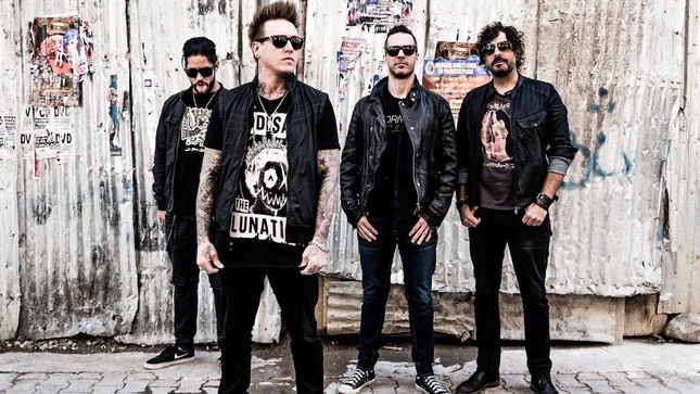 "PAPA ROACH Streaming New Song ""American Dreams"""
