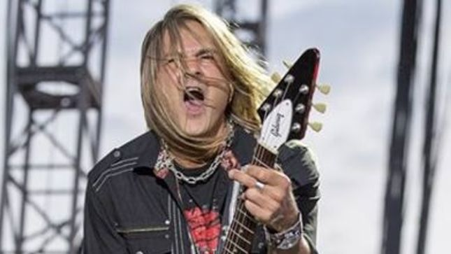 Former QUIET RIOT, RATT Guitarist CARLOS CAVAZO To Play Live With SIN CITY SINNERS ALL STARS