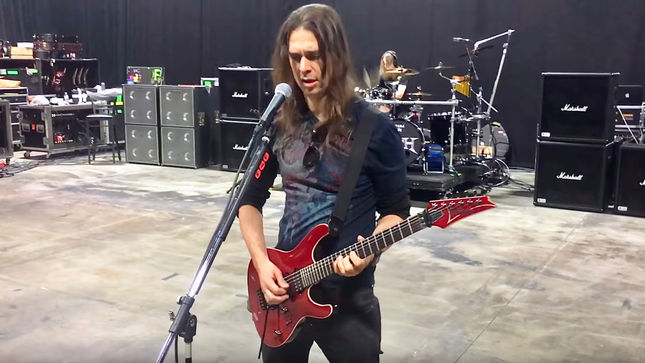 MEGADETH Guitarist KIKO LOUREIRO Posts Dystopia World Tour Rehearsal Video