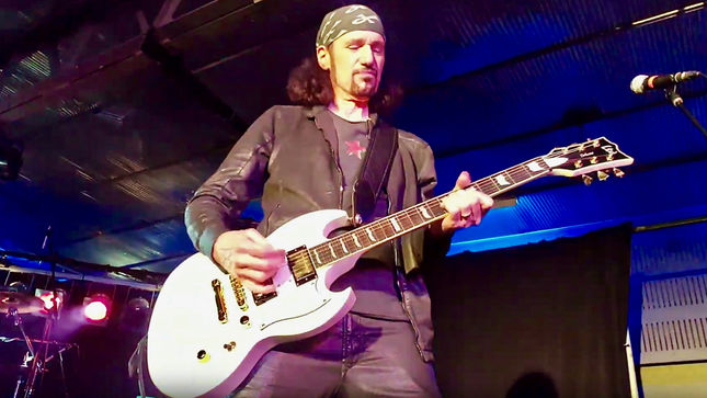"BRUCE KULICK On Band Politics During Time In KISS - ""It Was Always A Challenge To Make Gene Or Paul Really Zone In And Say, 'I Wanna Work On That'"""