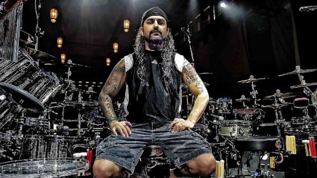 "MIKE PORTNOY Gearing Up To Revisit DREAM THEATER Material With Upcoming SHATTERED FORTRESS Shows - ""I Am Seizing The Fuck Out Of The Day..."""